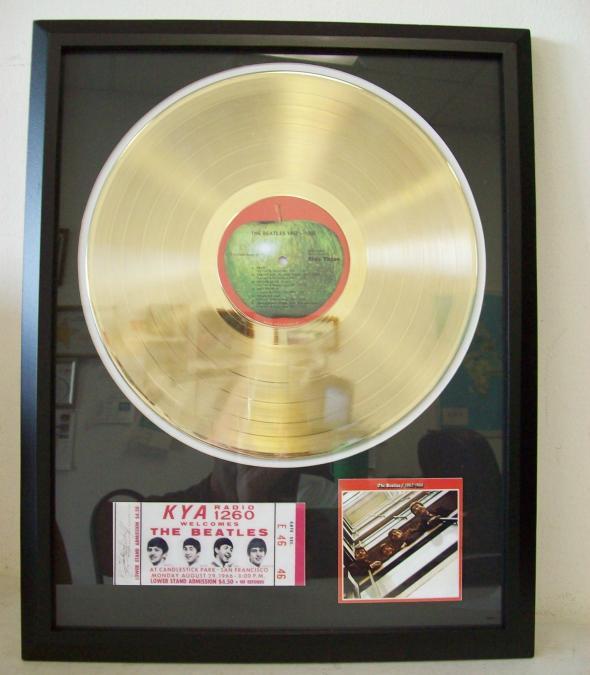 Gouden plaat LP The Beatles 1962-1966