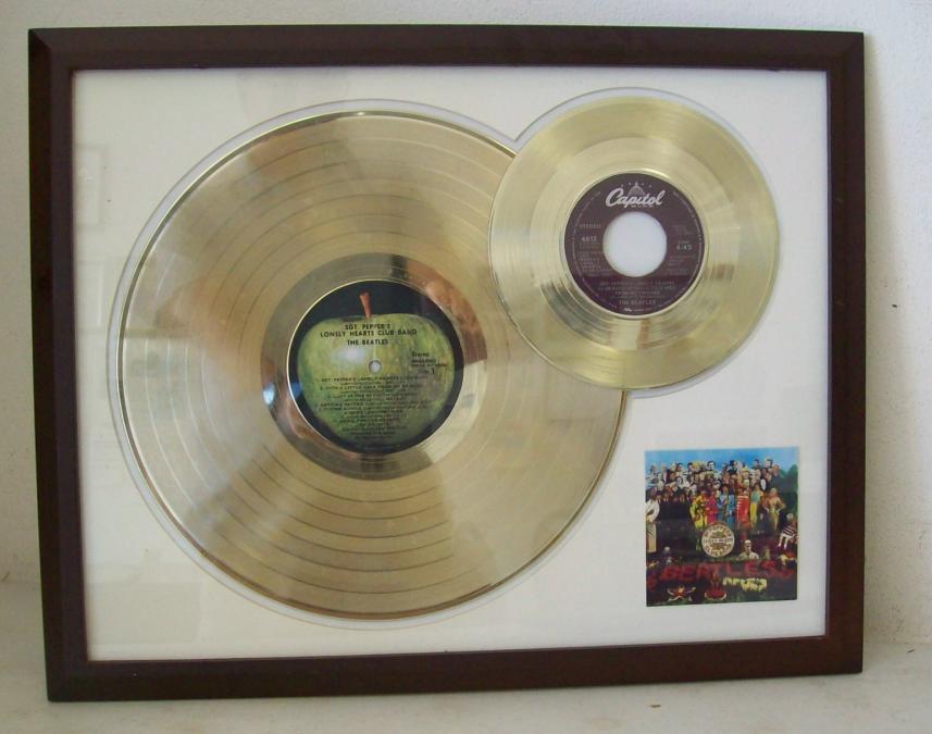 Gouden dubbel plaat The Beatles Sergeant Pepper